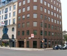 ambasada consulat londra